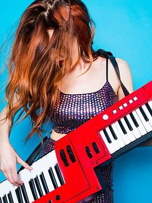 Keytar nory playing song